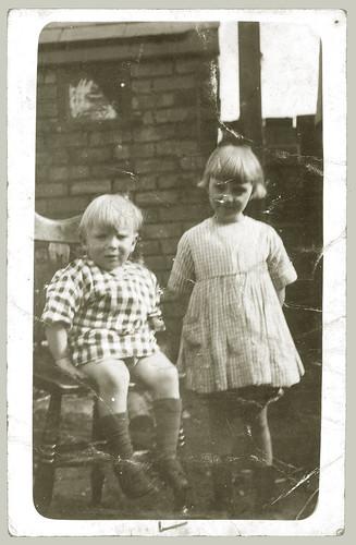 Two children (reverse)