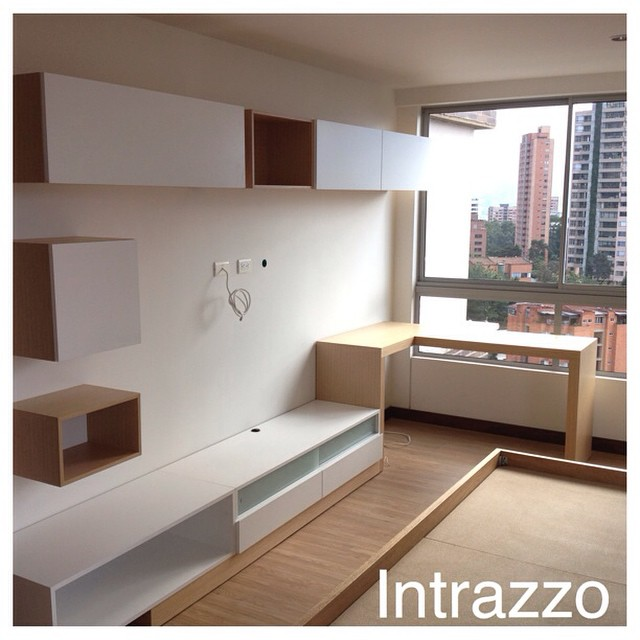 Mueble tv y estudio cuarto by muebles for Decoracion mueble tv