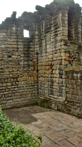 Newcastle town wall Corner Tower May 16 (1)
