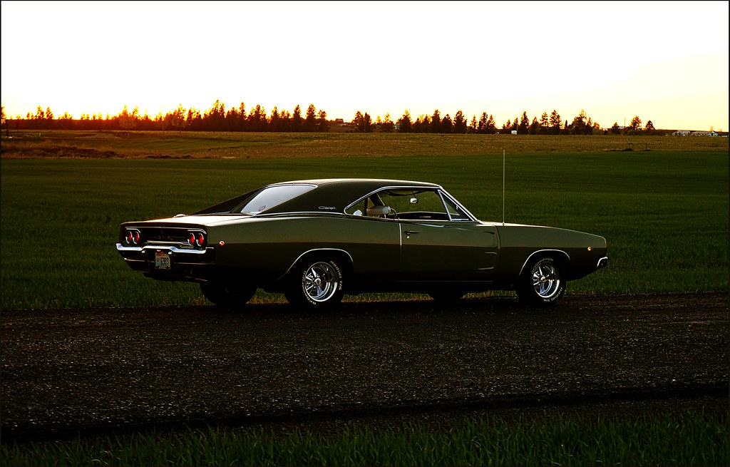 White Dodge Charger >> 1968 Dodge Charger R/T - Sunset In Green | I'm told spring i… | Flickr