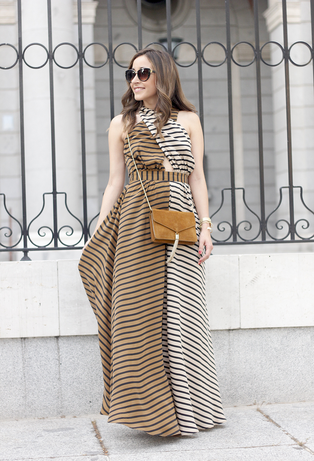 Maxi Striped Dress summer outfit sunnies uterqüe black sandals style fashion09