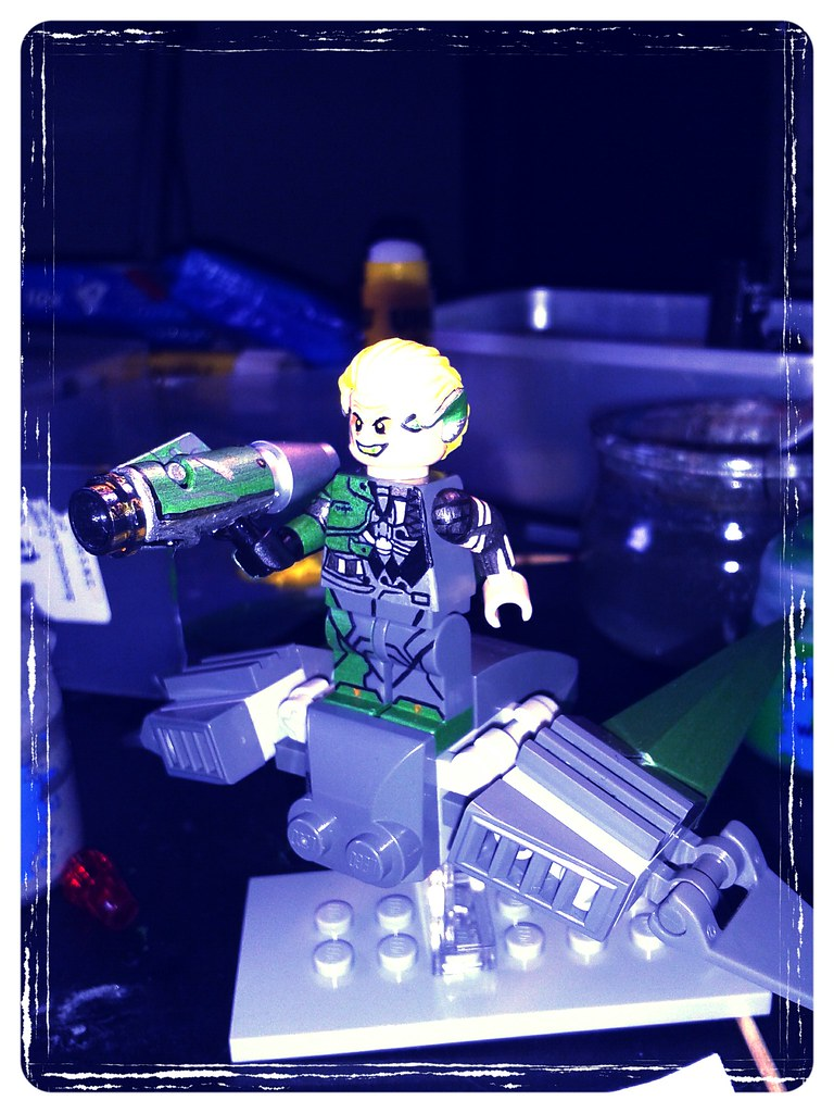 The amazing spider man 2 lego green goblin