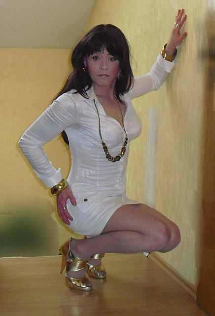 Mature white with queen of spades necklace - 4 2
