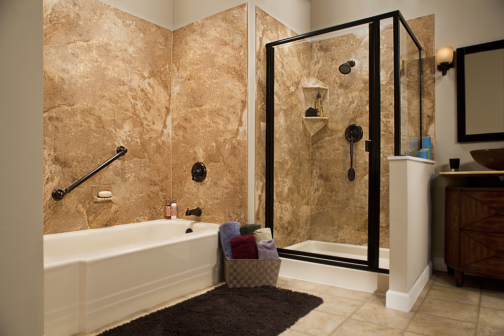 Almond Pia Tub With Smooth River Rock Wall Surround And Gl Flickr