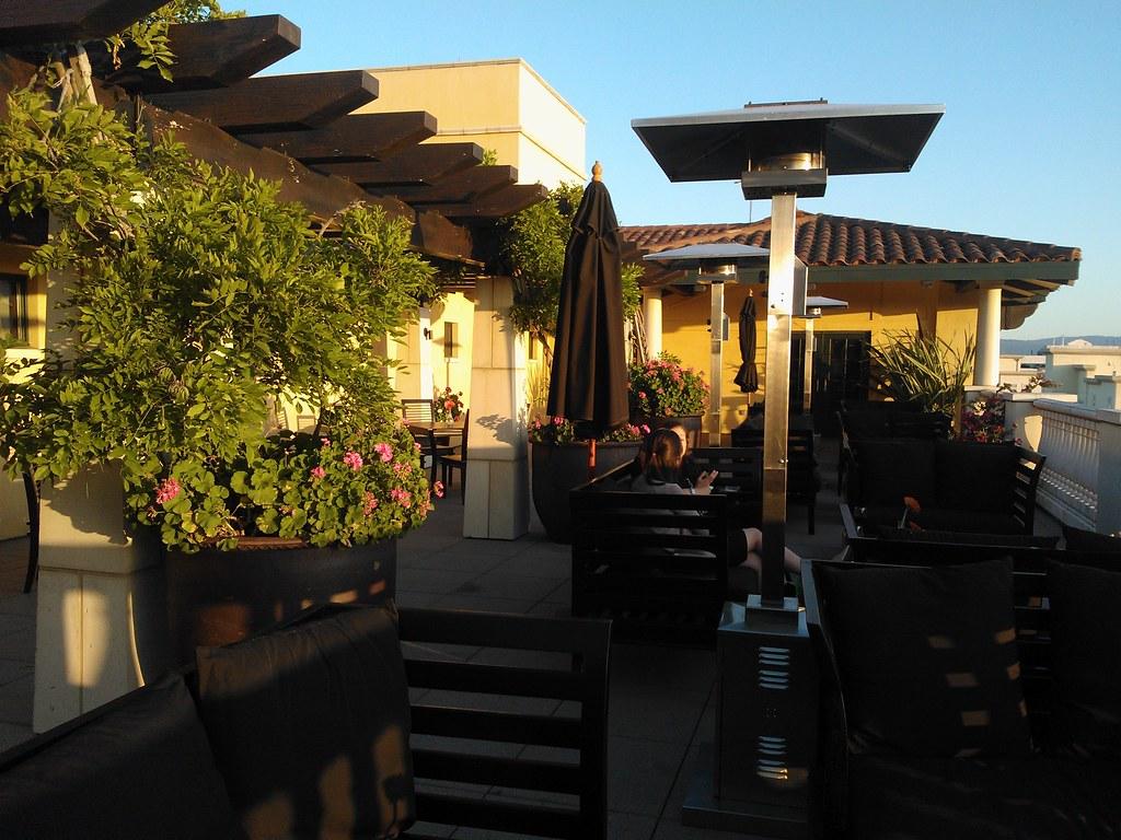 Image de scène Rayonnettes de chauffage en terrasse