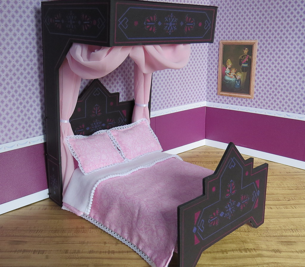 14 Princess Elsas Black Bed Before The Monday