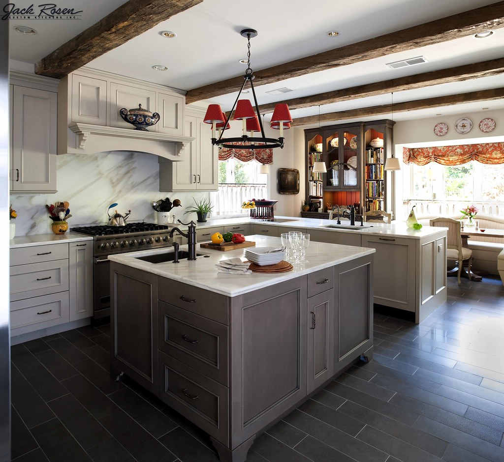Traditional White Kitchen Design 3d Rendering: Traditional Kitchen With Whit