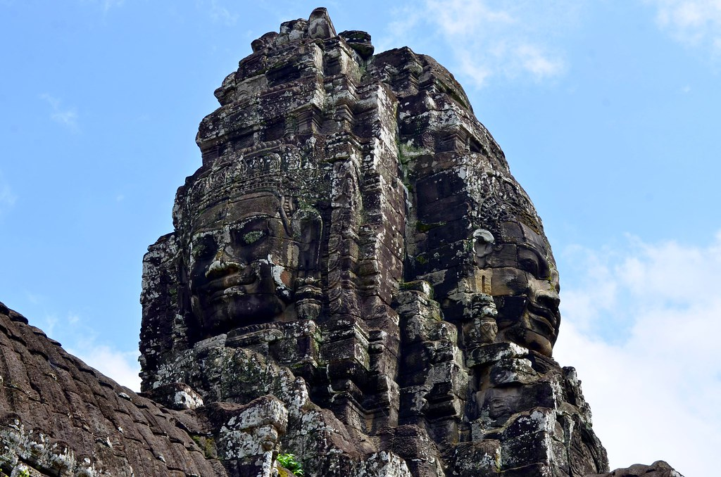 giant stone head sculptures at bayon temple near siem reap. Black Bedroom Furniture Sets. Home Design Ideas