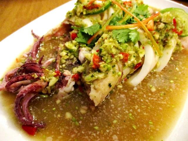 Sakhon stuffed sotong