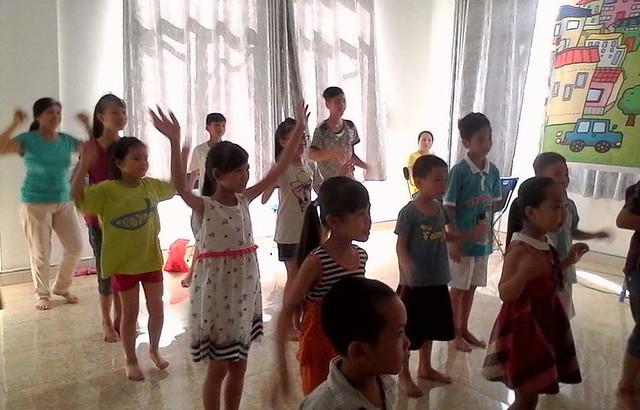 2016-06-30 thieu nhi Quang ninh
