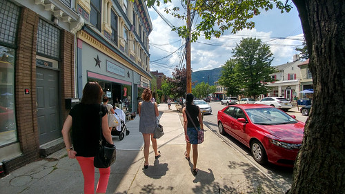 Walking about the Quaint Town of Cold Spring