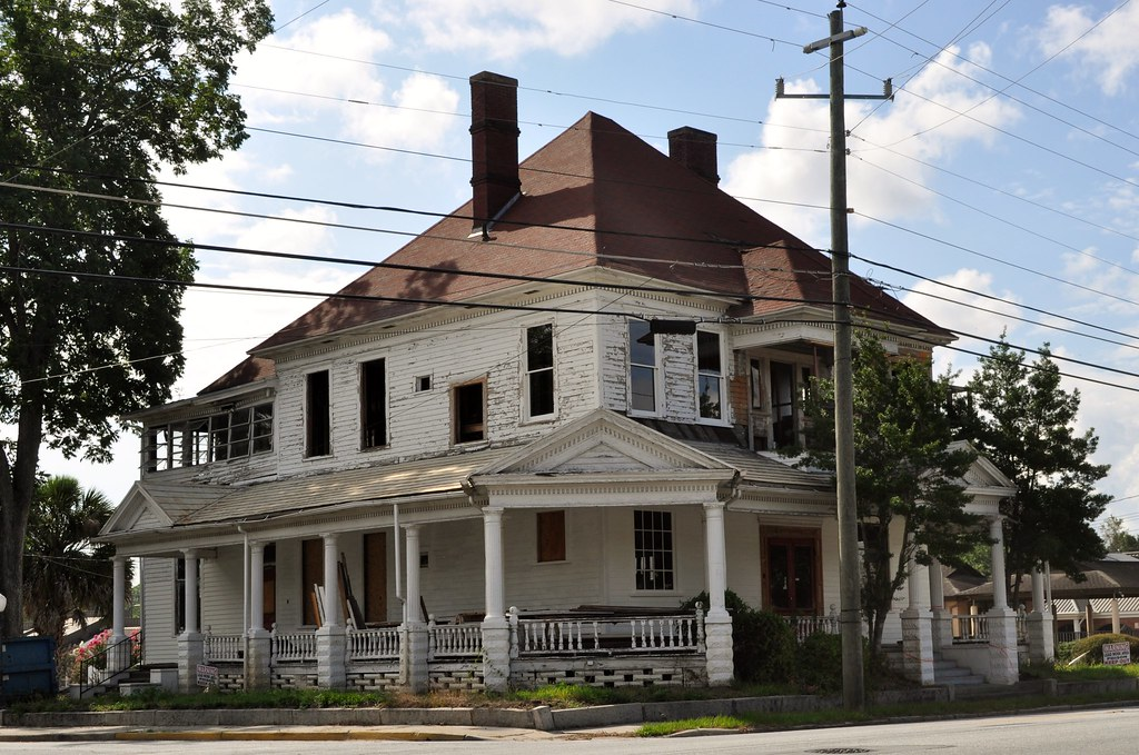 Valdosta Georgia Dilipadated House On Ashley Street