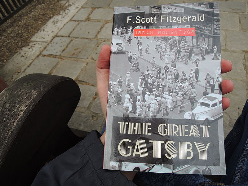 american dream in f scott fitzgeralds the great gatsby What is fitzgerald's critique of american culture in the poem about the great gatsby by f scott message about the american dream in the great gatsby.