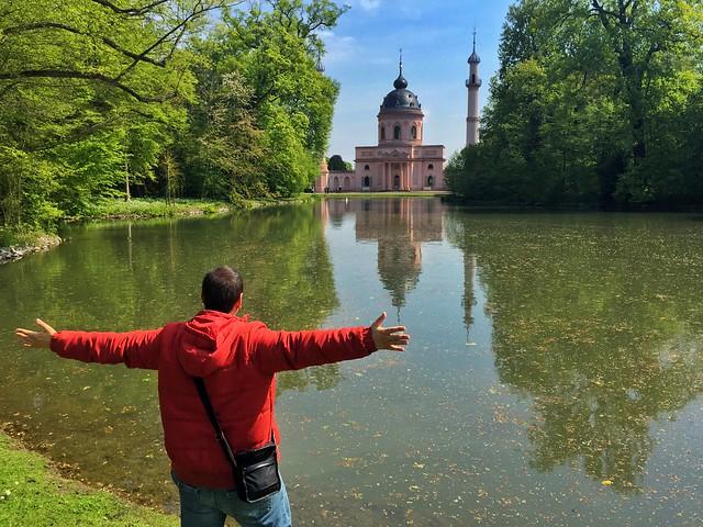 Sele en la Mezquita roja de Schwetzingen (Alemania)