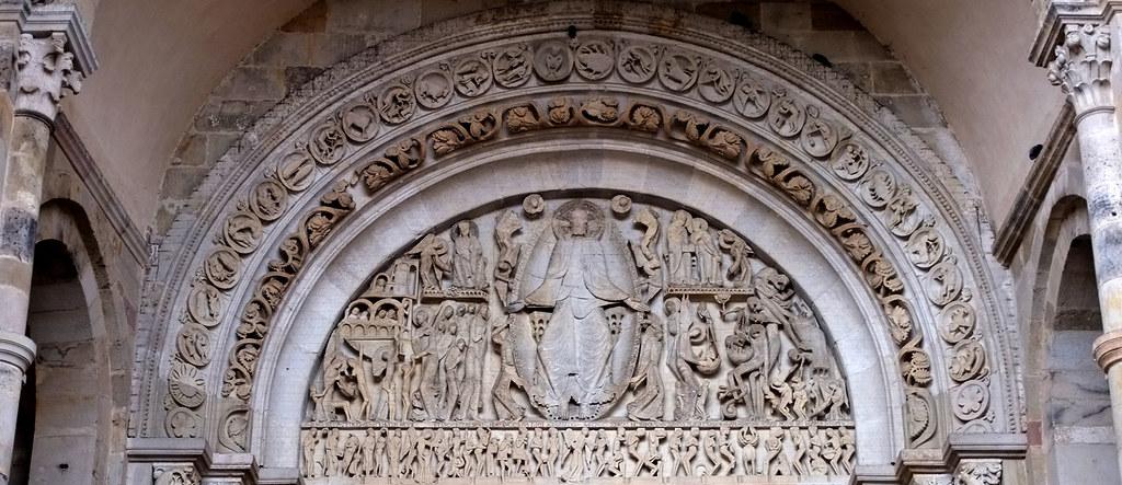 Романская архитектура во Франции