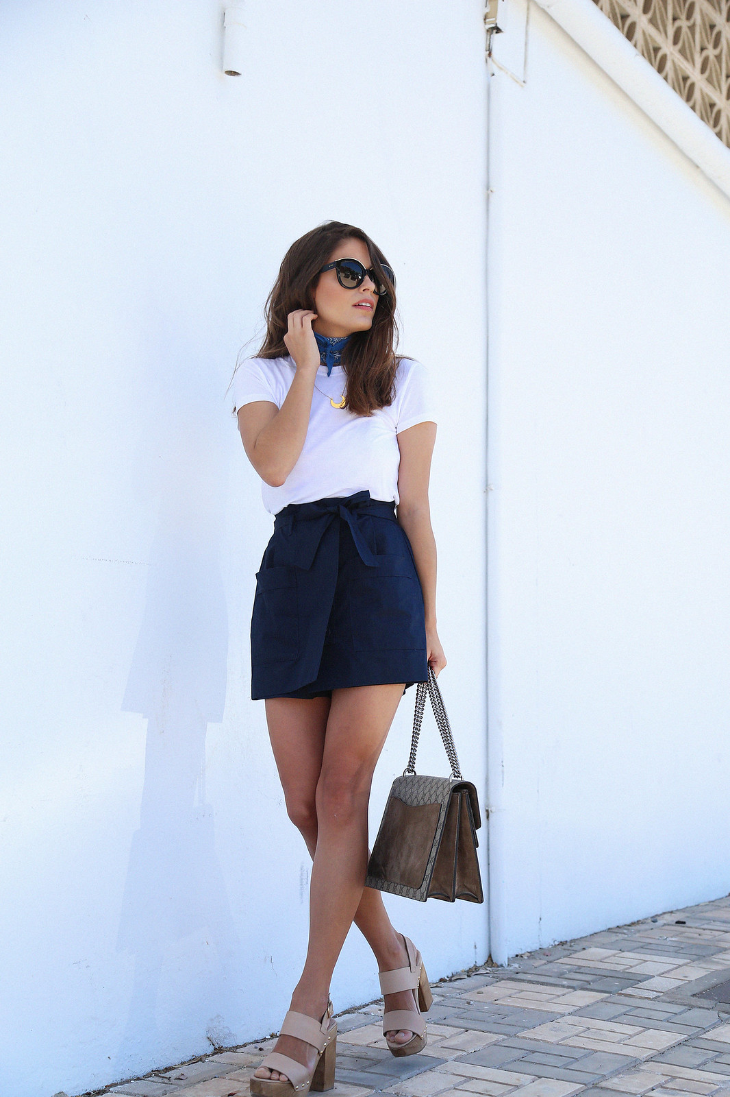 jessie chanes seams for a desire blue skort white tshirt wooden wedges sandals-7