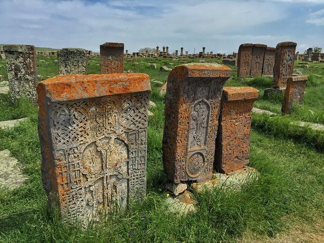 Cementerio de Noraduz (Noratus) junto al Lago Sevan (Armenia)