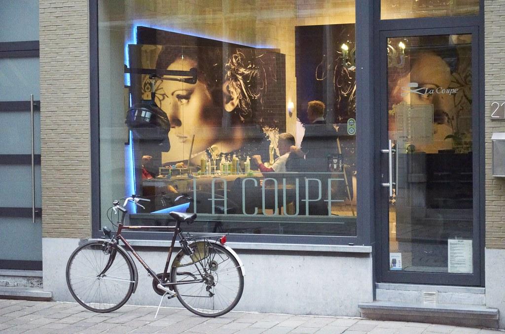barber shop in brugge nice barber shop love the reflectio flickr. Black Bedroom Furniture Sets. Home Design Ideas