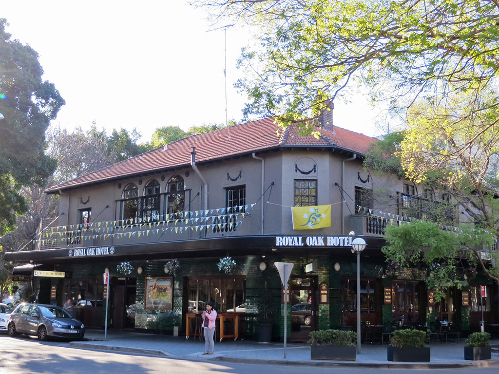 Royal Oak Hotel Motel