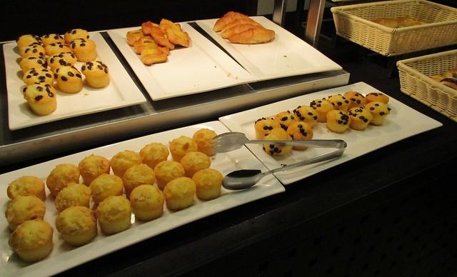 Grand Margherita cake & bread section