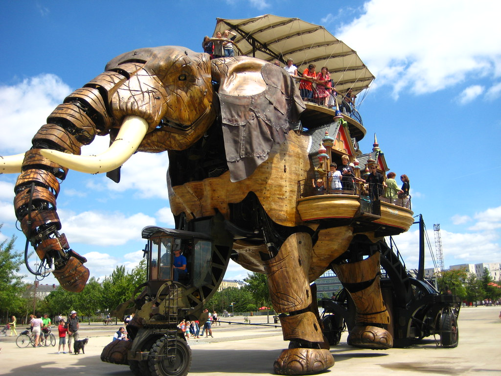 the elephant of nantes the awesome mechanical elephant. Black Bedroom Furniture Sets. Home Design Ideas