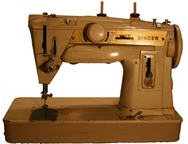 Sewing machine machine coudre sewing machine museum for Machine a coudre 3d