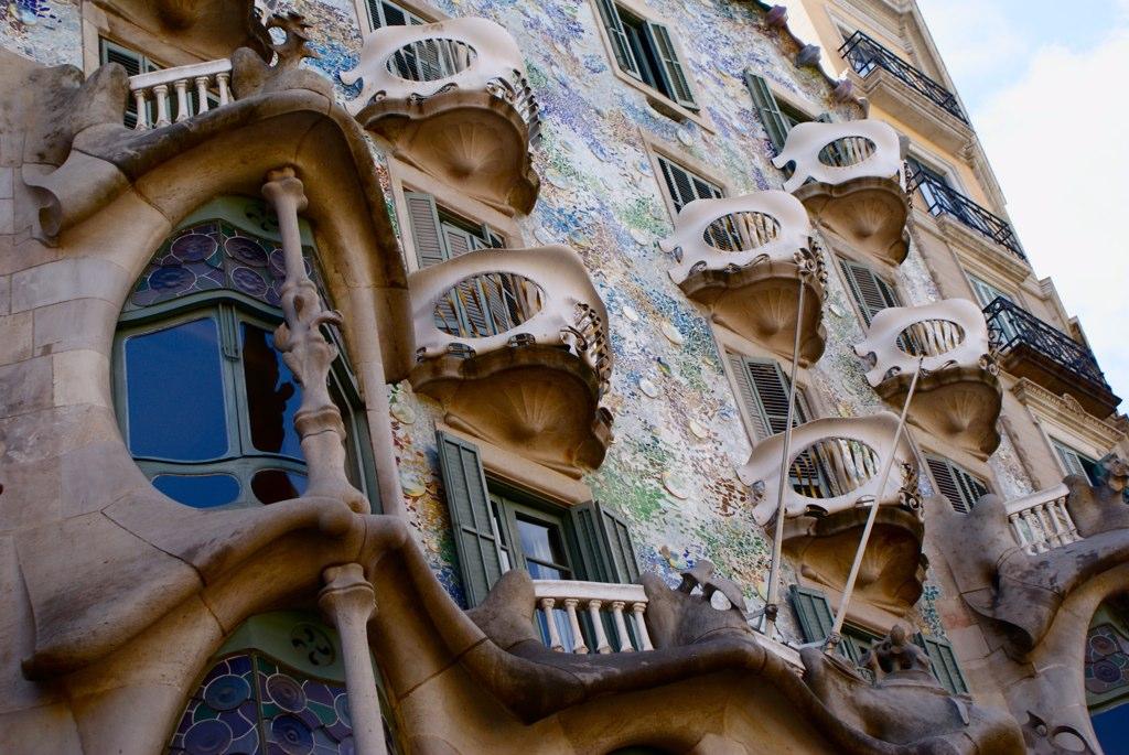 Casa batll barcelone cr ation d lirante de gaudi - Art nouveau architecture de barcelone revisitee ...