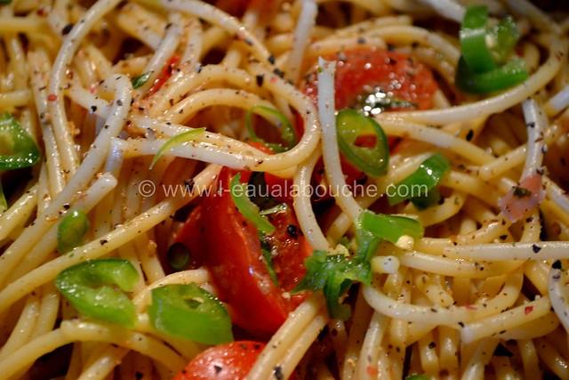 Spaghetti au Pesto d'Olives et Jambon Cru © Ana Luthi Tous droits réservés 07