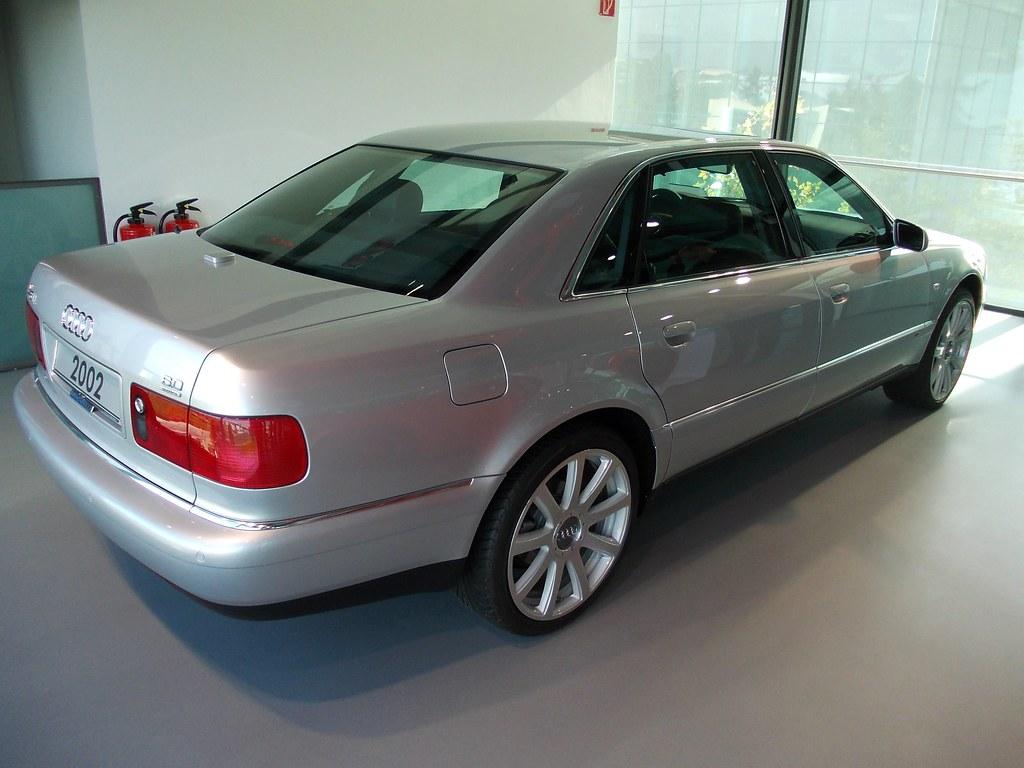 Audi A8 D2 L W12 2002 Autostadt Wolfsburg Zeithaus