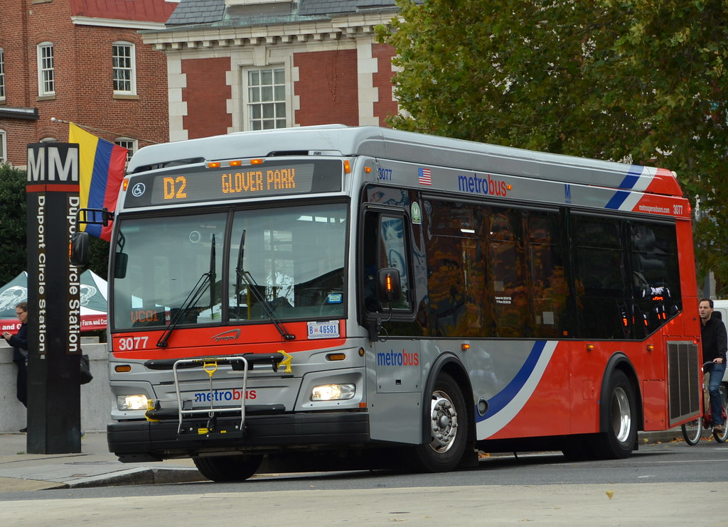 Metrobus at Metrorail | D2 bus to Glover Park passes Dupont … | Flickr