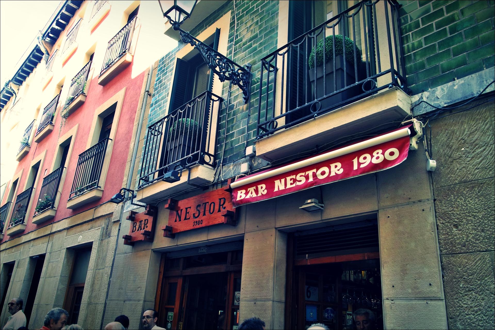 네스토르 바 입구-'산 세바스티안 네스토르 바 Bar Nestor'