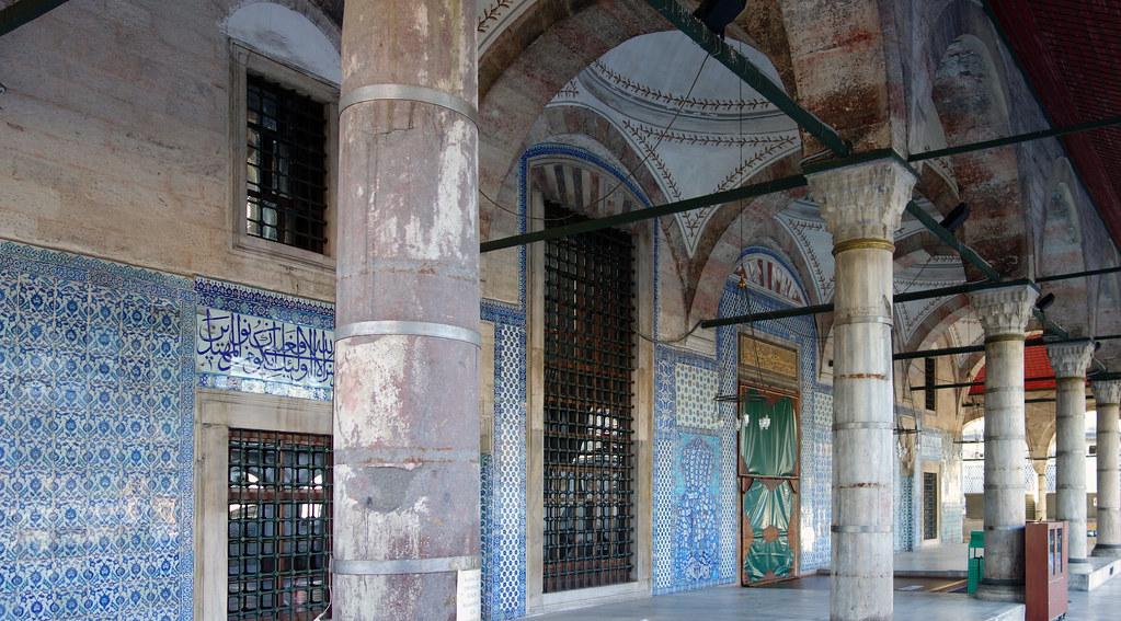 Sinan, Rüstem Paşa Mosque, colonade  Mimar Sinan, Rüstem Pa…  Flickr