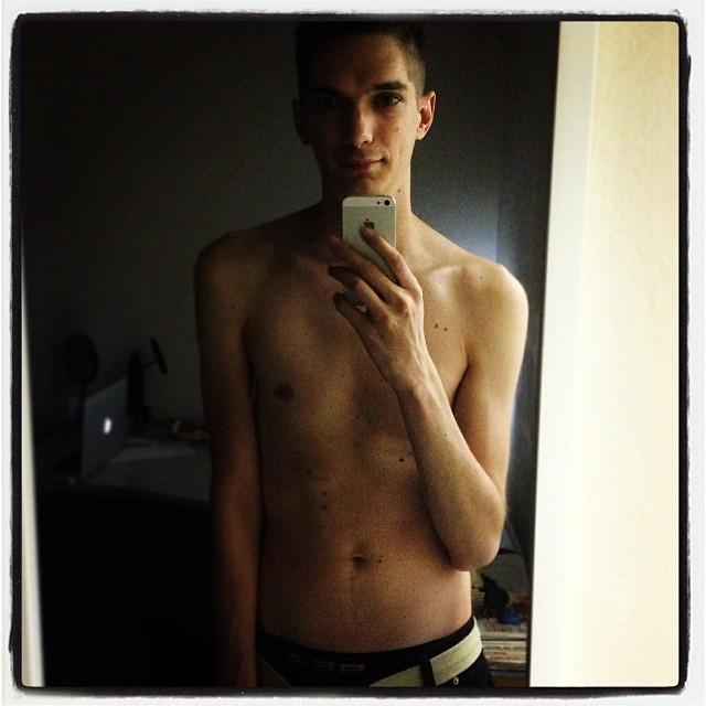 Very skinny twinks abs