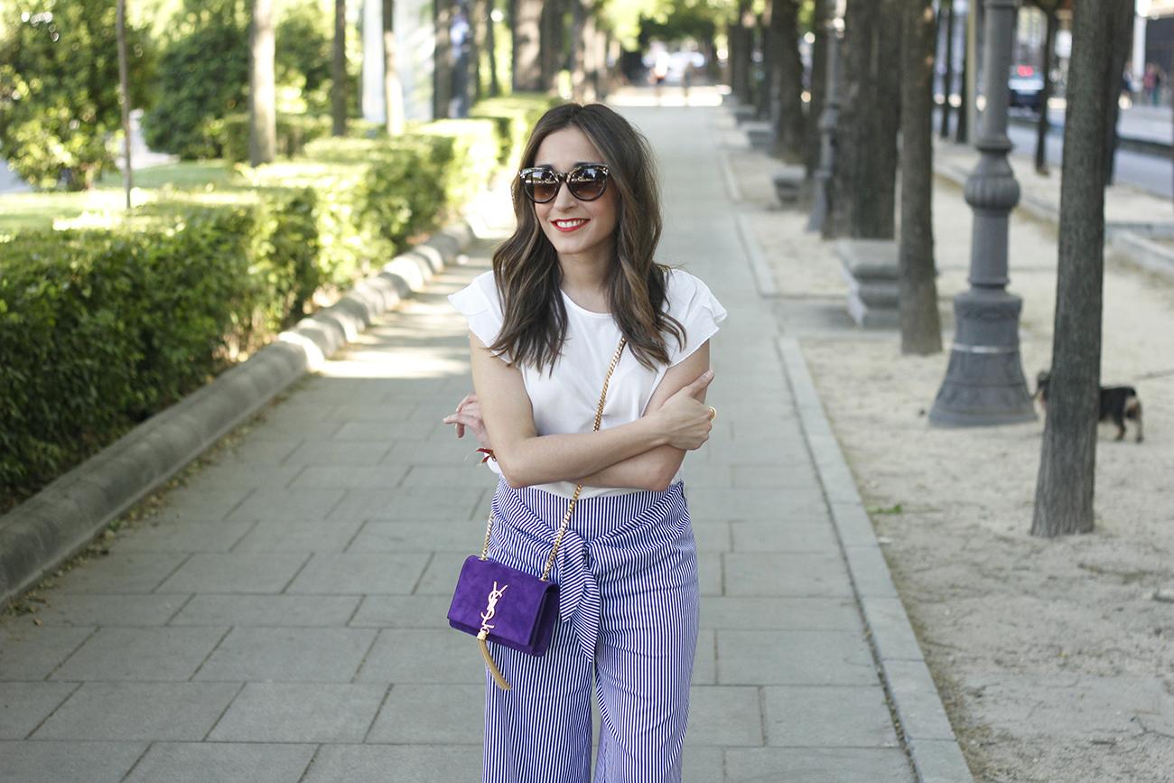 striped pants with bow white shirt carolina herrera sandasl saint laurent bag accessories summer outfit11