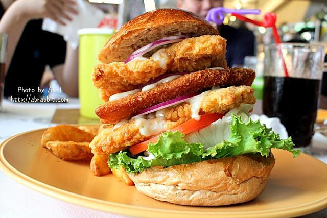 28060481985 fdc3b3df35 z - [台中]牛逼洋行--超級無敵厚的漢堡,真的無法一口咬下啊!@自立街 西區(已歇業)