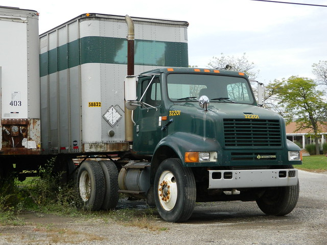 Former Abf Freight Systems Tractor Pup Trailer Flickr
