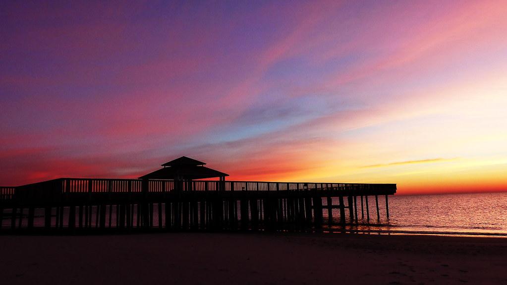 Buckroe beach fishing pier hampton va haijun shen flickr for Buckroe beach fishing pier
