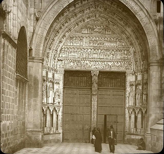 Puerta del Reloj hacia 1905 fotografiado por Alois Beer. Fotografía editada y publicada por E. Mazo para linterna mágica MTFFD026492_P