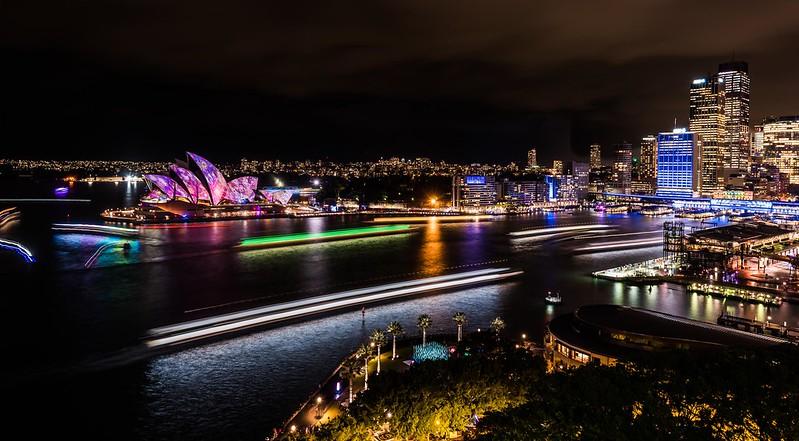 Vivid Sydney 2016_Sydney Harbour_CREDIT Destination NSW_KM-7782