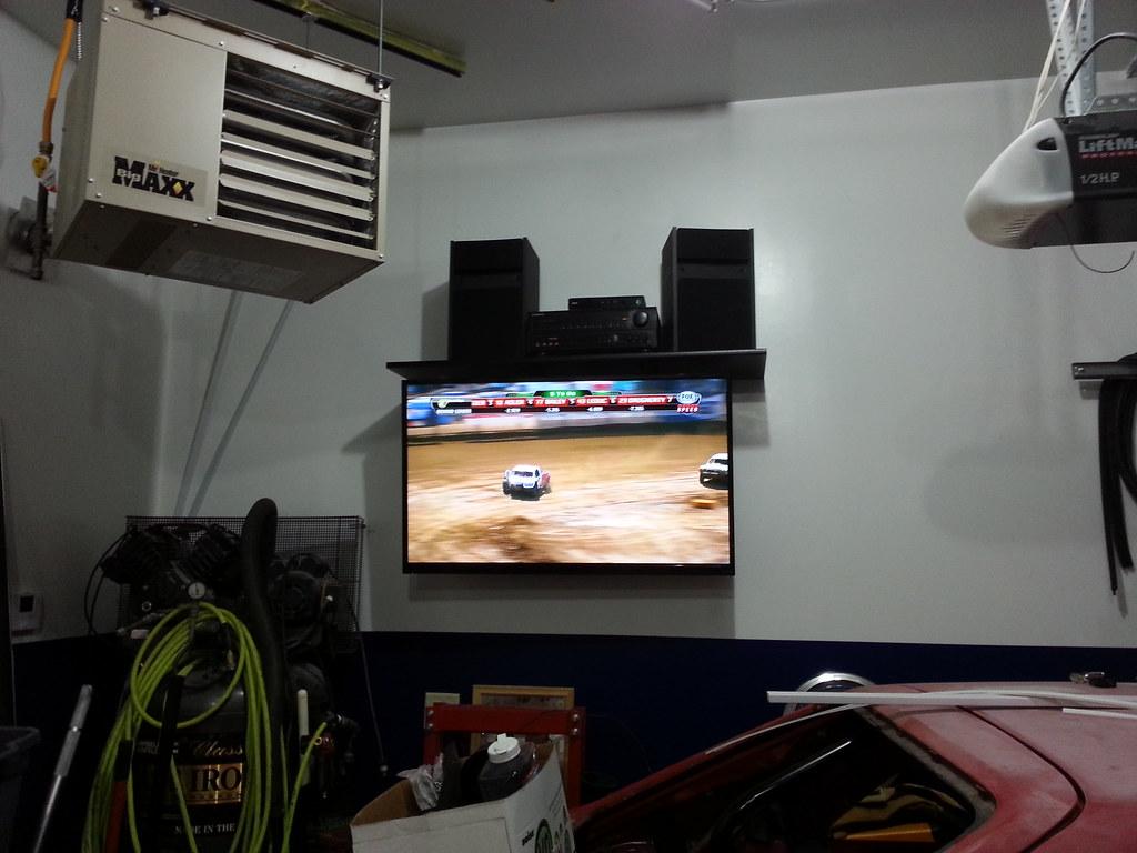 Shitty New Garage Tv Setup Only A 47 Led Lcd Nbd