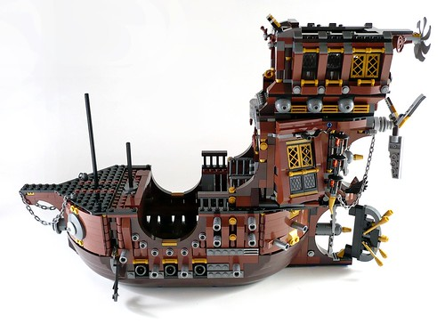 70810 MetalBeard's Sea Cow 407