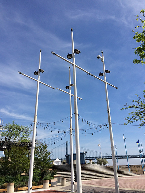 mast-like light poles