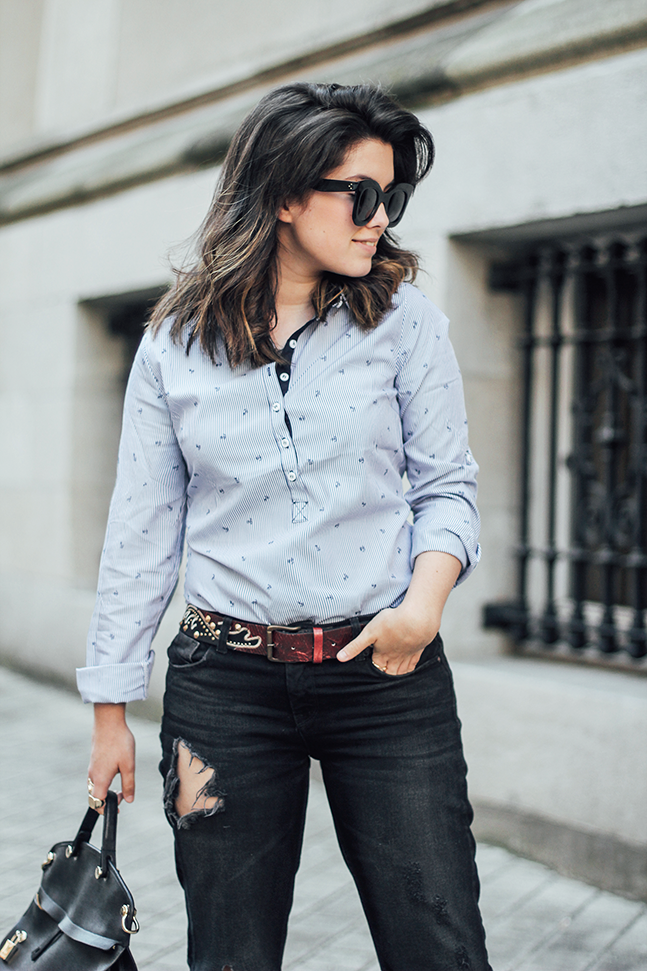 navy blouse ties&heels gold rings celine sunglasses frayed jeans streetstyle myblueberrynightsblog