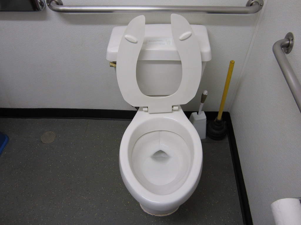 1996 Universal Rundle Athens Toilet With Wide Trapway Flickr