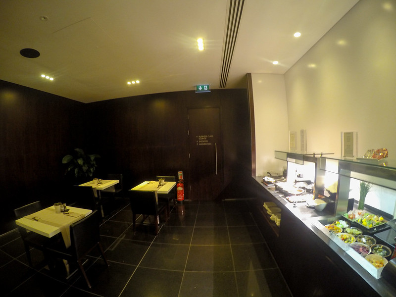 28013463825 6ae51aee43 c - REVIEW - Cathay Pacific First Class Lounge, London Heathrow T3 (October 2015)