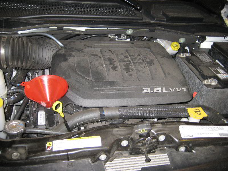 2012 chrysler town country pentastar 3 6l v6 engine oi for Motor oil for chrysler town and country