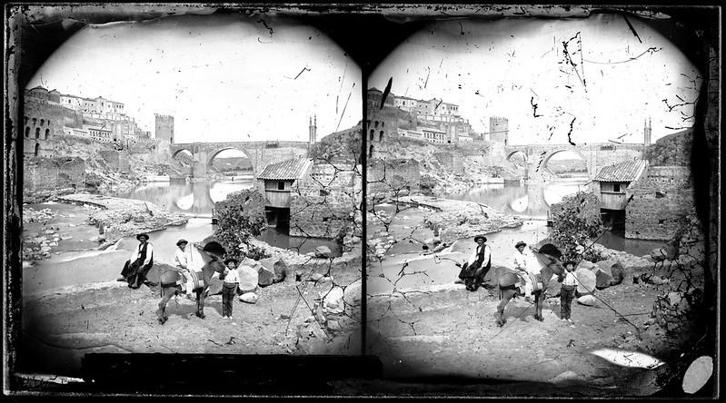 Artificio de Juanelo y Puente de Alcántara en Toledo hacia 1864. Fotografía de Alfonso Begue © Fondo Rodríguez, Archivo Histórico Provincial, Junta de Comunidades de C-LM