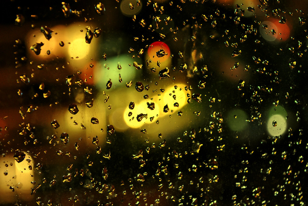 how to take pictures of raindrops on a window