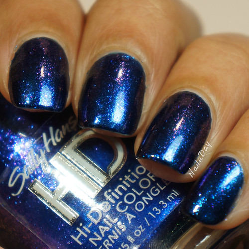 NailaDay: Barielle Jordana's Skinny Jeans with Sally Hansen HD Laser