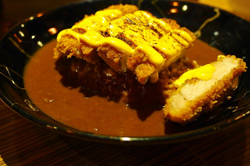 炙燒濃厚起司醬厚豬咖哩飯